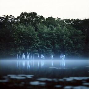 利用LED灯把风景变成超现实画面