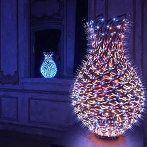 流光溢彩的LED花瓶