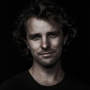 """米兰家具展上""""跳""""出来的Maarten Baas"""
