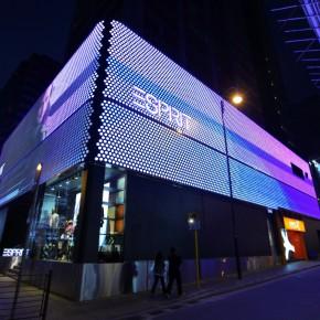 ART+COM给香港ESPRIT旗舰店披上数字皮肤