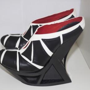 首款碳纤维3D打印鞋履