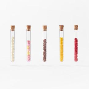 我就服Nendo!化学实验风格的巧克力包装棒极了!