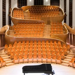 当流动的音乐融入建筑,一种全新的体验油然而生