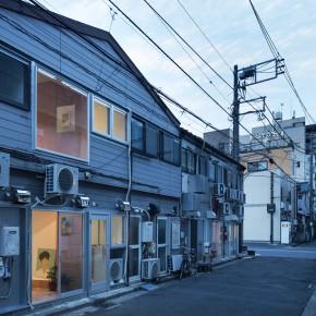 日本红灯区一间20㎡的色情店铺改成的艺术画廊