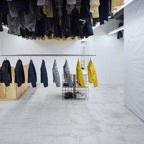 """服装店如何利用""""想象""""的天花板节省空间?"""