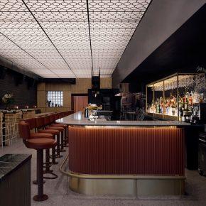 这家酒吧内部空间的光线和质感简直是设计典范