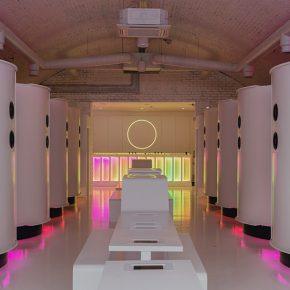 打破现实感知的酒吧,用虚拟现实创造另一个世界!