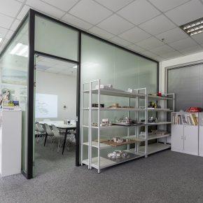 平介设计丨格子间里的设计工作室