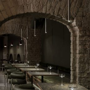 中世纪风格能有多美?基辅这家酒吧了解一下