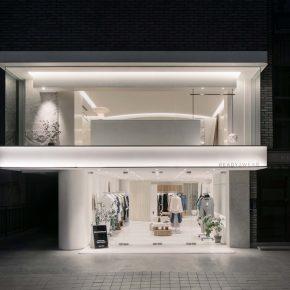 纯白服装店搭配极简风,颜值气质瞬间拉满