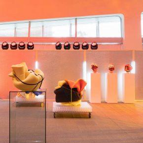 韩国这个美妆品牌用海绵造了一个有趣的展览
